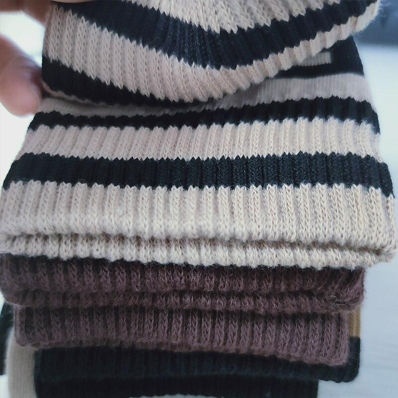 LN-F3-23 Three pairs of warm socks