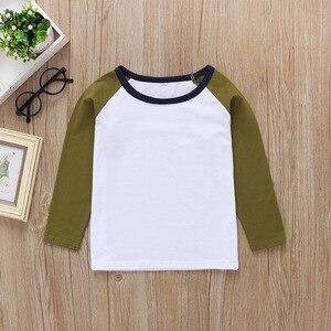 Одежда для мальчиков весна-осень 2020, новая Корейская футболка с длинными рукавами однотонный хлопковый топ с круглым вырезом и длинными рук...