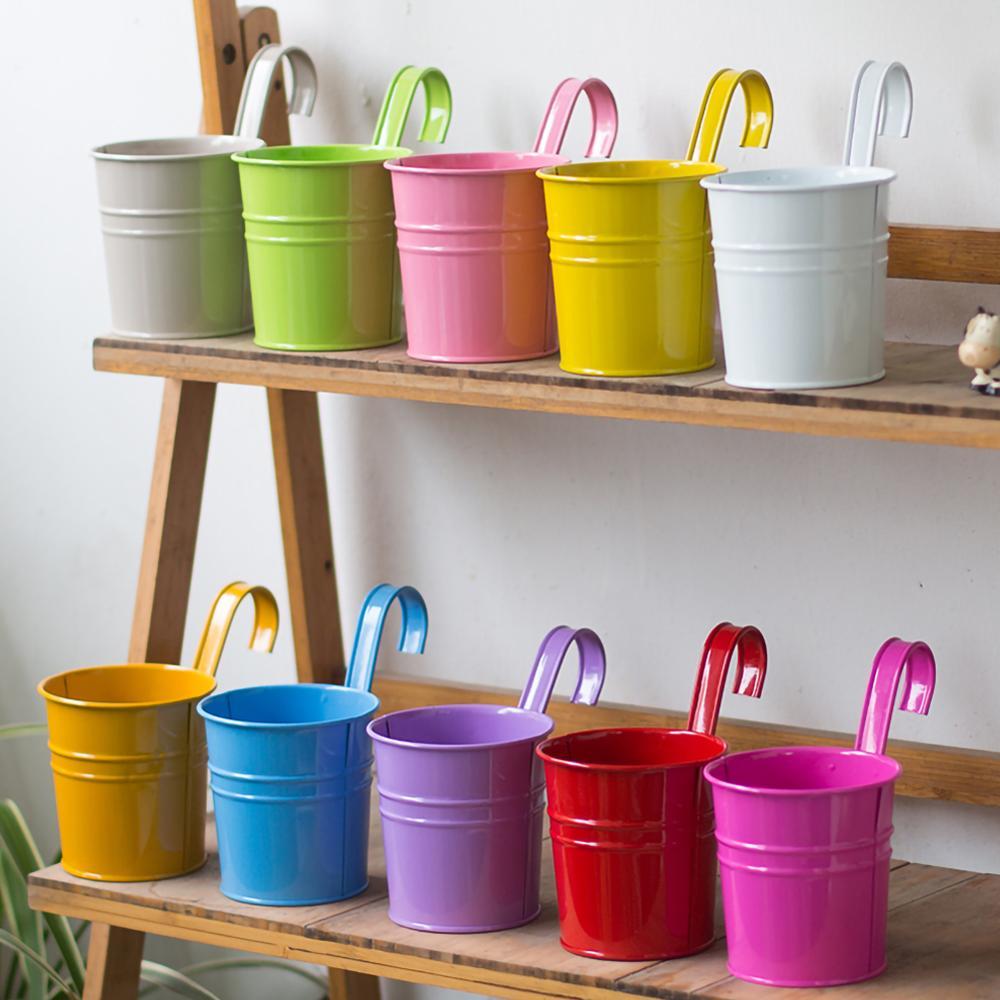 Купить с кэшбэком 10pc Metal Flower Hanging Flower Pot Hook Wall Removable Candy Color Iron Bucket Tin Garden Balcony Hanging Succulent Basket New