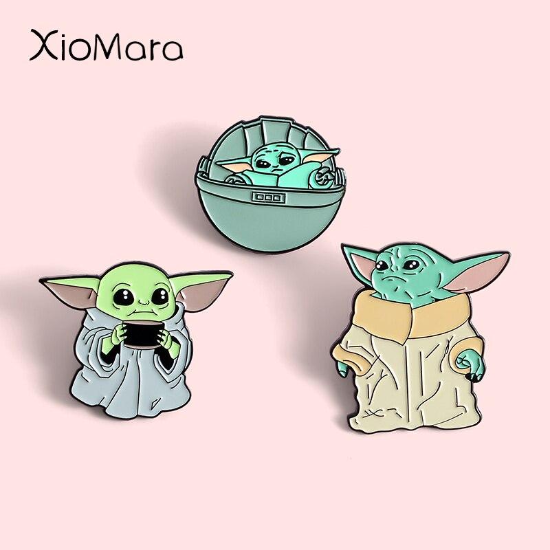 Bébé Yoda épingles en émail dur lémission de télévision mandalorienne film bijoux univers étoile Alien Badge broches épinglette pour amis cadeaux