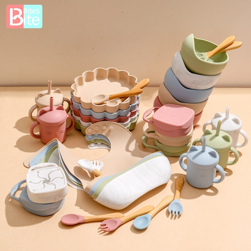 7PCS/1Set Baby Feeding Silicone Tableware NO BPA Kids Feeding Bowl Waterproof Spoon Snack Cup Non-slip Dishes For Baby Tableware