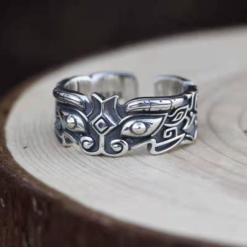 Retro antique men and women zinc alloy open ring carving casual fashion party titanium steel