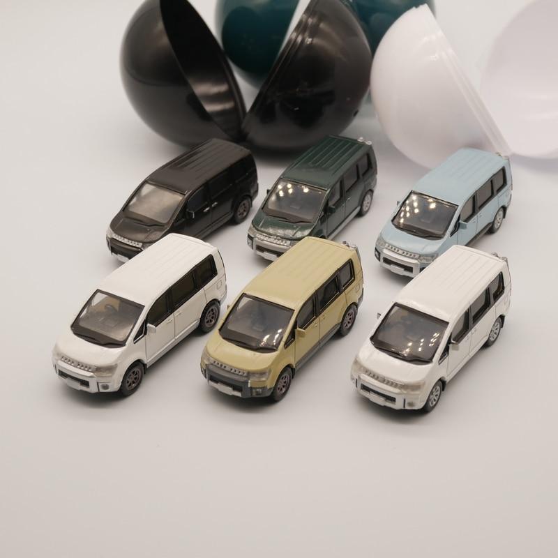 Aoshima 164 mitsubishi delica mpv brinquedo plástico modelo de carro cápsula carro de brinquedo