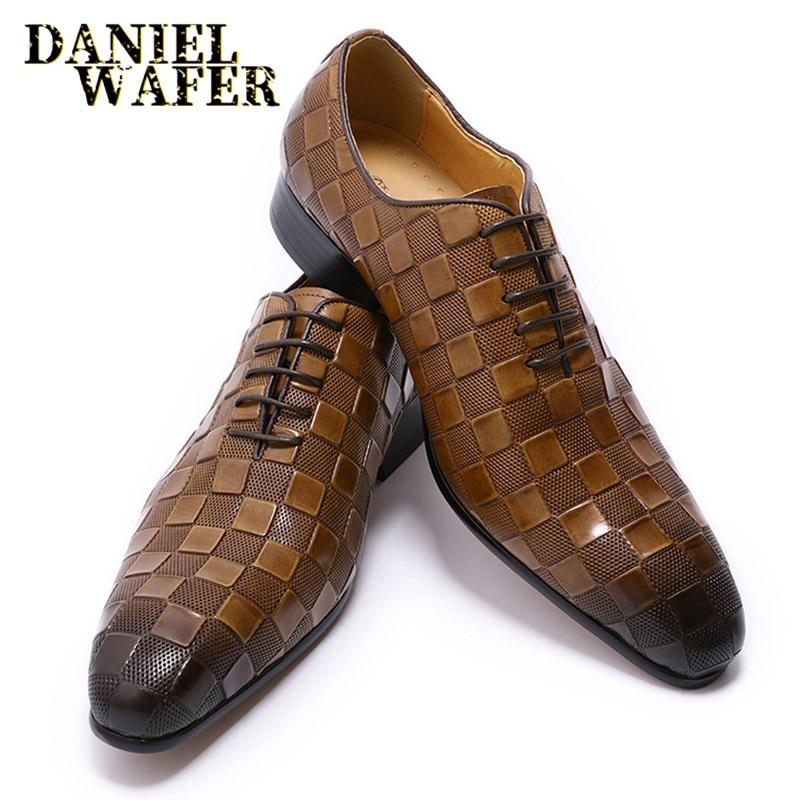 الفاخرة الايطالية فستان من الجلد أحذية الرجال الموضة منقوشة طباعة الدانتيل يصل أسود براون الزفاف مكتب أحذية رسمية أكسفورد أحذية للرجال