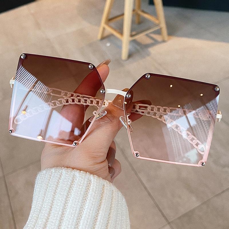 2020 New Fashion Oversize Gradient Sunglasses For Women Vintage Alloy Chain Frame Rivet Square Sun Glasses Female Elegant Shades stylish golden alloy leg matte black frame sunglasses for women