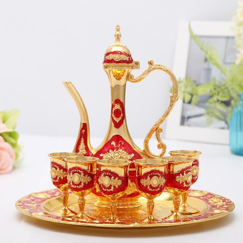 الاستنشاق الروسي الإبداعي للفودكا ، براندي النبيذ ، كأس ذهبي مع قوارير الورك ، صينية نقش الزجاج ، للأرواح العالية ، أدوات البار ، هدية