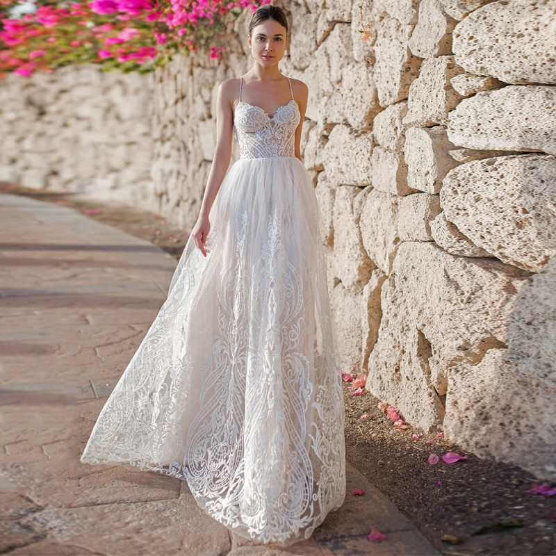 9626-lace-tulle-a-line-wedding-dresses-bohemian-sweetheart-spaghetti-straps-criss-cross-straps-bridao-gown-with-applique