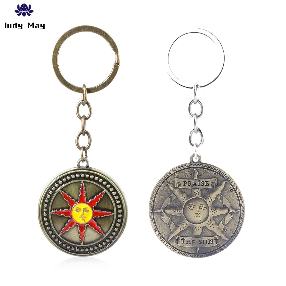 Dark souls 3 solaire de astora sol chaveiro carta louvor o sol escudo chaveiro para homem feminino carro chaveiro jóias
