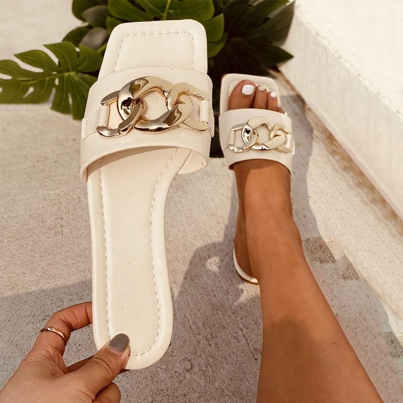 2021 Summer Women's Sandals Slippers Flip Flop Flat Open Toe Outdoor Slippers Women Fashion Metal Decoration Beach Slides Shoes
