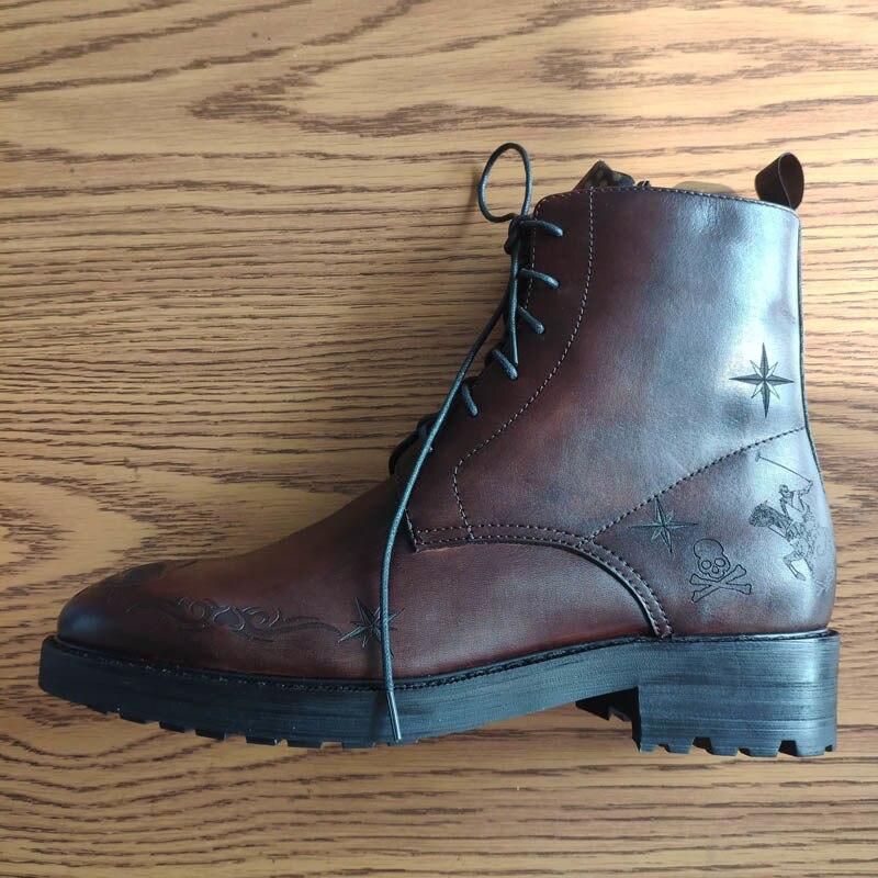 وأشار اصبع القدم أحذية الرجال اليدوية منحوتة الدانتيل يصل أحذية كاوبوي الجلد الحقيقي الفاخرة الرجعية مكتب رسمي حذاء من الجلد الذكور الأحذية