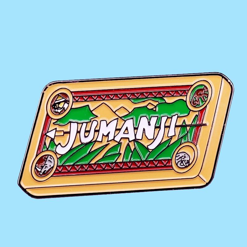 Jumanji jogo de tabuleiro de xadrez aventura emblema esmalte broche pinos metal liga moda jóias lapela pinos emblemas acessórios