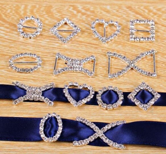 50 Uds. Pequeño Diamante de imitación hebilla deslizante oro plata metal DIY cinta para la cabeza Decoración Para invitación de boda hebillas para cinta de cristal