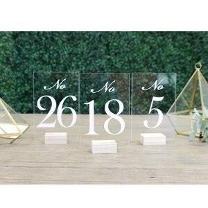 Номера свадебных столов с держателями | Прозрачная акриловая каллиграфия, Классические свадебные вывески, рустикальный стол с четким деревянным номером