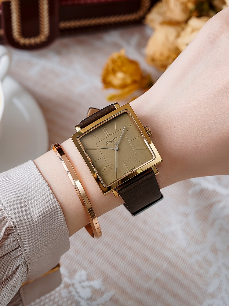 ccq brand unisex vintage cow leather simple bracelet watch women men casual leather quartz wristwatches clock gift drop shipping Fashion Women Leather Strap Watch Lady Quartz Wristwatches Female Daily Match Bracelet Simple Clock Teenager Gold Time Girl Gift
