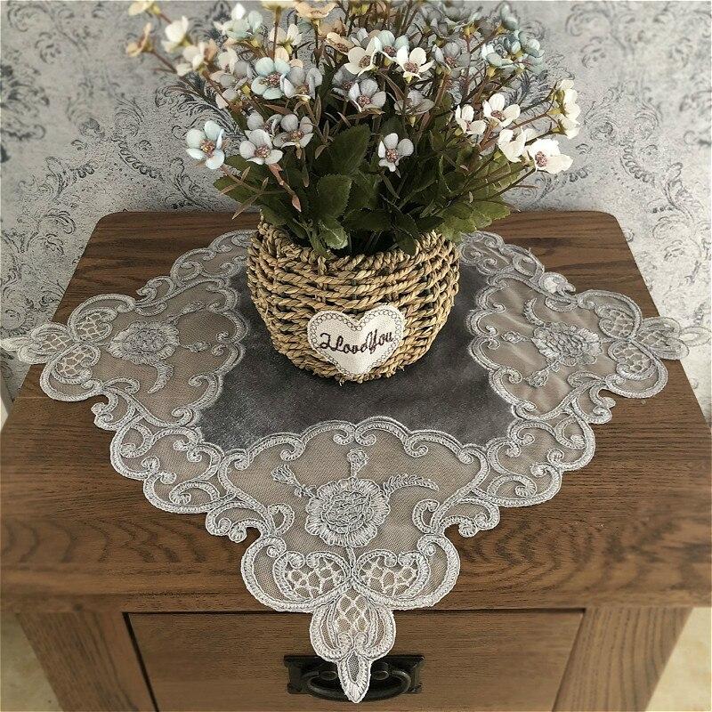 Europea de terciopelo bordado de encaje de moda Retro mantel para mesa de comedor mantel posavasos estera de la taza de café cuadrado tapetes