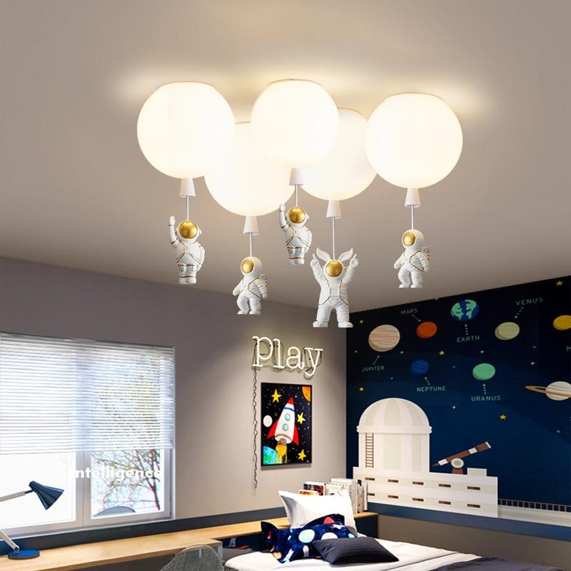 مصباح سقف أكريليك على شكل رائد فضاء ، تصميم كرتوني إبداعي ، إضاءة داخلية مزخرفة ، ضوء وردي وأخضر ، مثالي لغرفة الطفل.