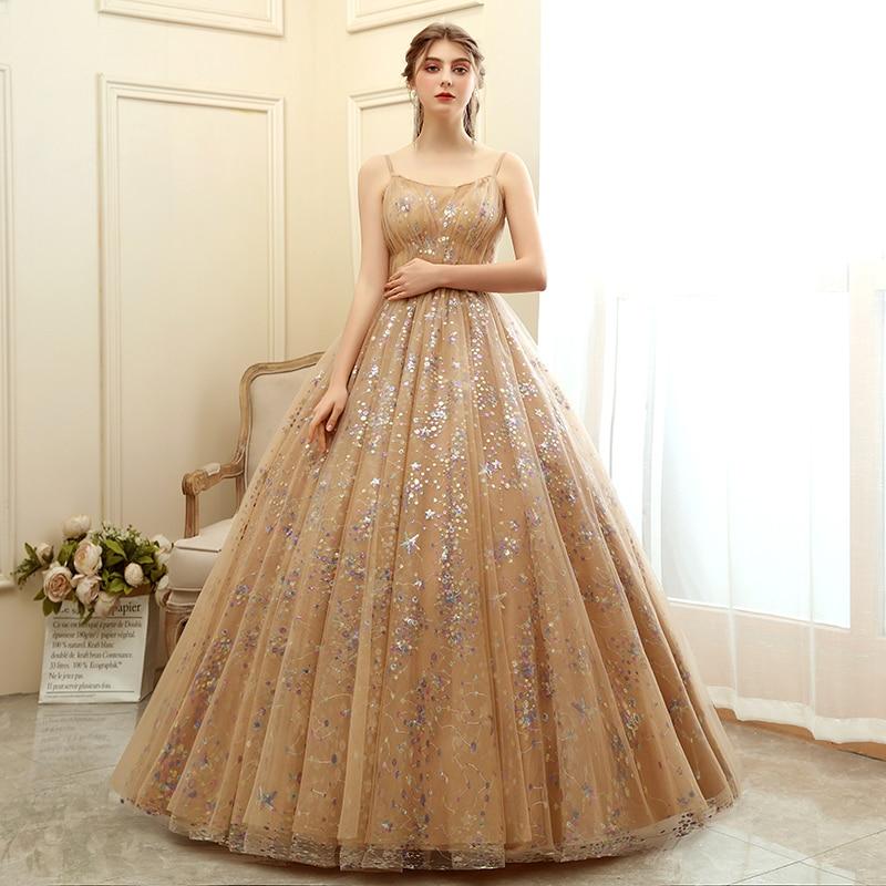 فستان جديد 2021 من Quinceanera فستان فاخر بحزام سباغيتي بحمالات رفيعة فستان كوينسيانيرا عتيق ومزين بمقاسات كبيرة