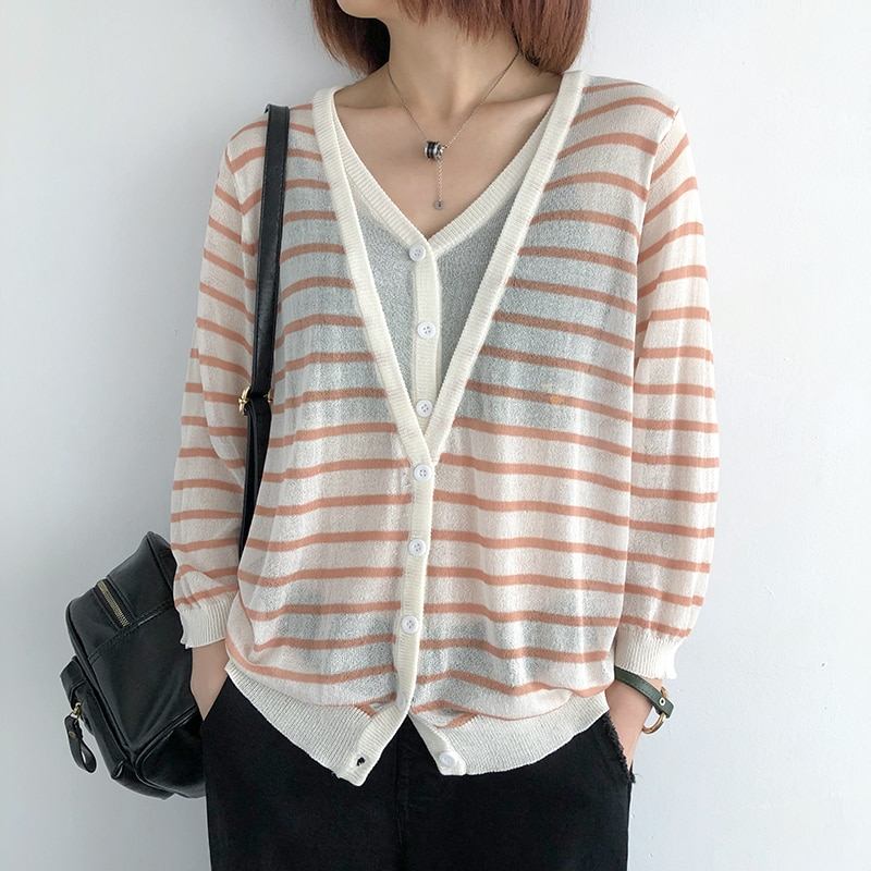 Fake two-piece striped sweater women spring and summer new Korean style loose and thin air-conditioning shirt thin V-neck short enlarge