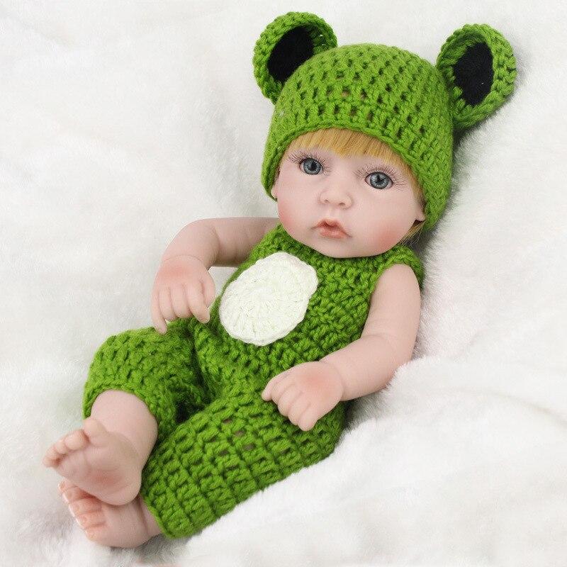 Lalki noworodki 28CM Mini Handmade Boy Reborn laleczka bobas z krótkimi włosami realistyczne urocze realistyczne na prezenty maluch kąpiel lalka