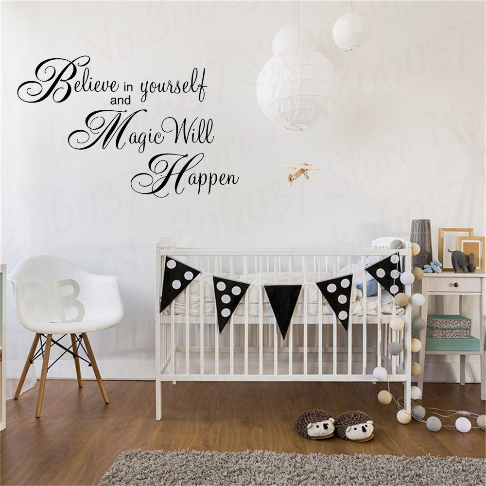 Magia va a ocurrir inspiración pegatina para pared con frase decoración del hogar papel tapiz Mural Believe In Yourself pegatinas de pared para habitación de bebé WL1546