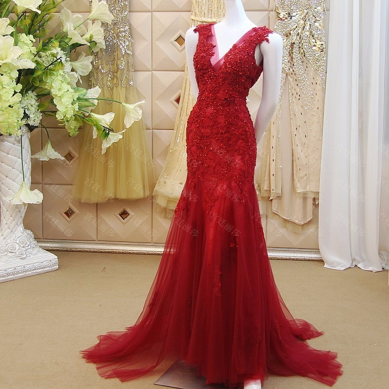 Red Lace Applique Beaded Mermaid Evening Dresses Real Picture Sexy V-neck Tulle Formal Party Gowns