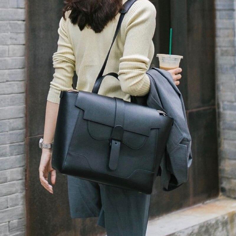 على ظهره الإناث 2021 حقيبة السفر الجديدة رسول حقيبة كتف عادية سيدة الموضة شخصية بسيطة على ظهره كبيرة