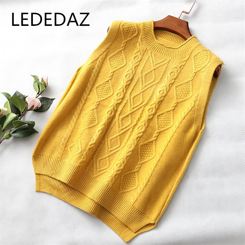 2020 New Korean Fashion Spring Autumn Women Twist Wool Vest Casual O Neck Knitted Vest Top Sleeveless Vest Oversize Sweater Vest