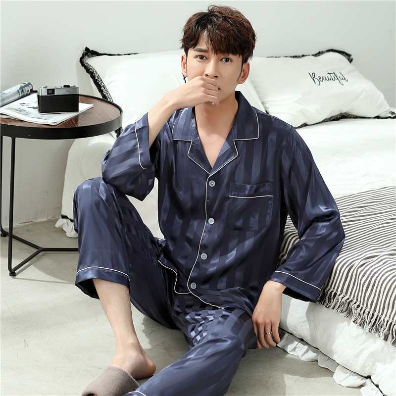 Тонкий длинный рукав пижамы комплект атлас ночные рубашки для мужчин гостиная одежда тонкий модный полосатый лед шелк пижамы из двух частей костюм 2021