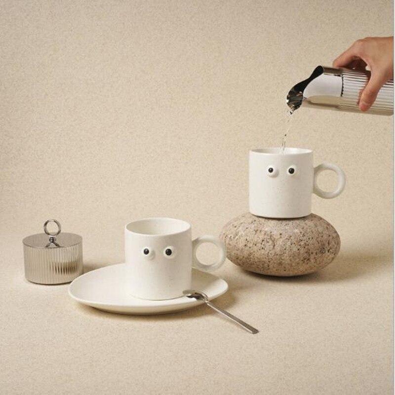 350 مللي قدح قهوة من السيراميك Kawaii عيون تبدو كوب حليب الشاي مع مقبض ل الإفطار الإبداعية درينكوير مضحك كوب ماء هدية