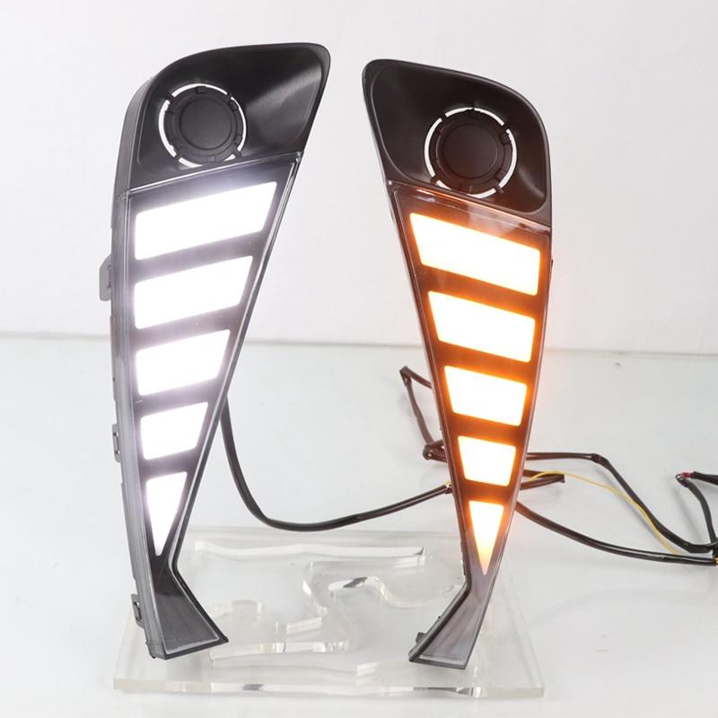 1 Pair Car Daytime Running Light LED DRL Daylight Fog Lamp With dynamic Yellow Turn Signal For Toyota C-HR CHR 2020 2021