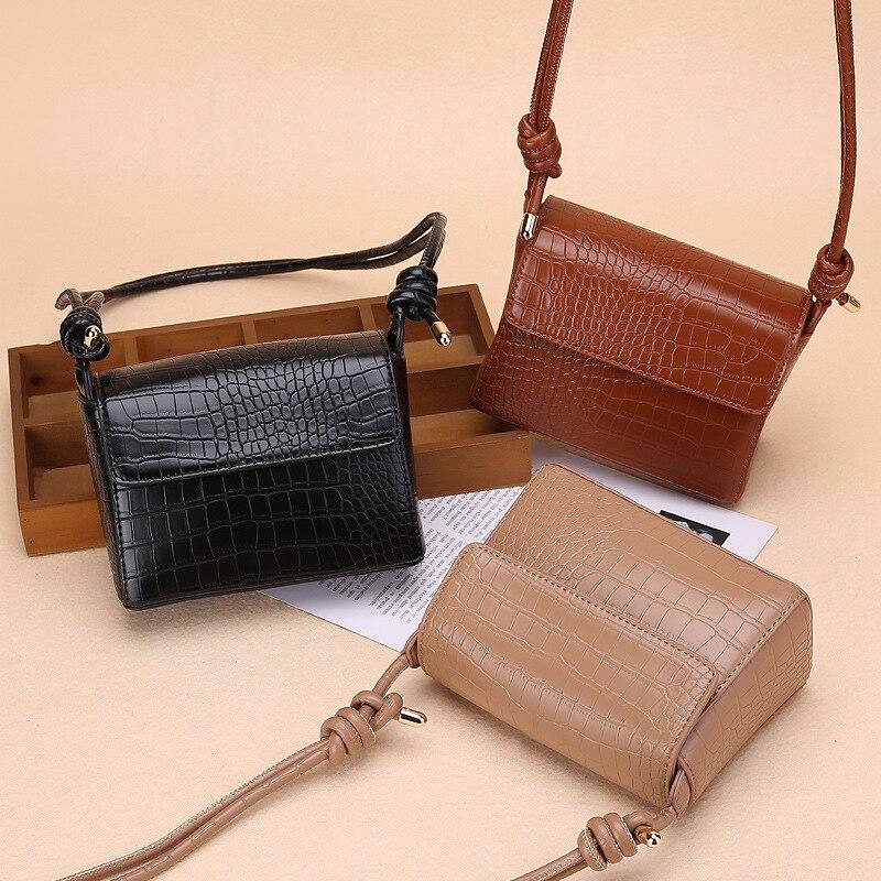 Ansloth Retro Small Crocodile Pattern Crossbody Bag For Women PU Leather Shoulder Bag Elegant Lady Solid Color Flap Bags HPS1118