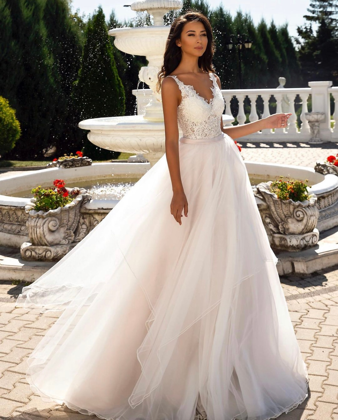 Promo Wedding Dress A-Line V-Neck Tank Lace Appliques Sequined Beads Backless Bow Sashes Floor Length Sweep Train Bride Gown New