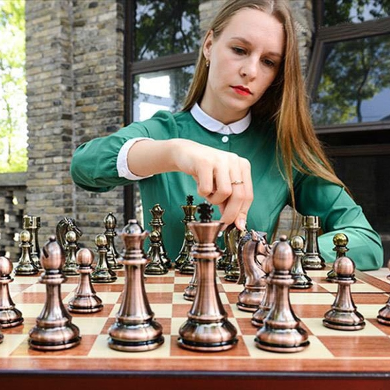 Medieval Chess Board with High Quality Chess Board 32 Tin Alloy Metal Chess Pieces Magnetic Board Game Chess Atlas