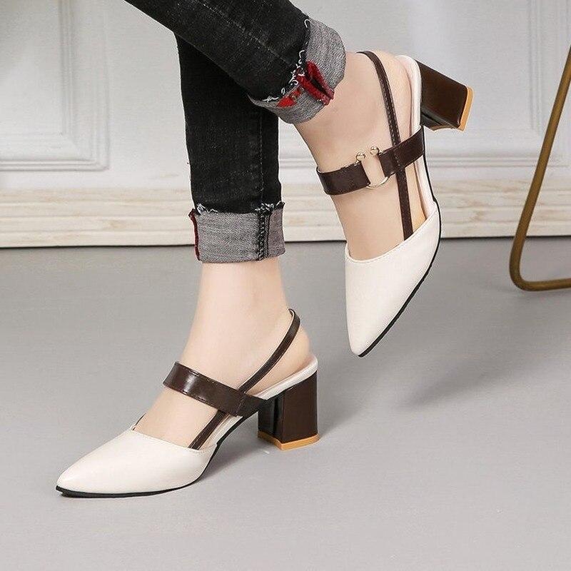 Femininas de Verão Sandálias Novo Pontiagudo Grossas Tamanho Grande Moda Feminina Sapatos Femininos 2021
