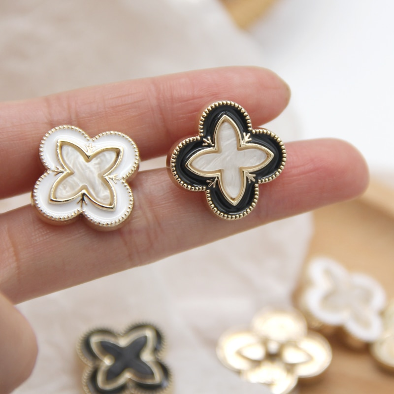 HENGC Clover Flower Gold Metal Women Coat Decorative Buttons For Clothing Beautiful Sweater Suit Sewing Accessories Wholesale