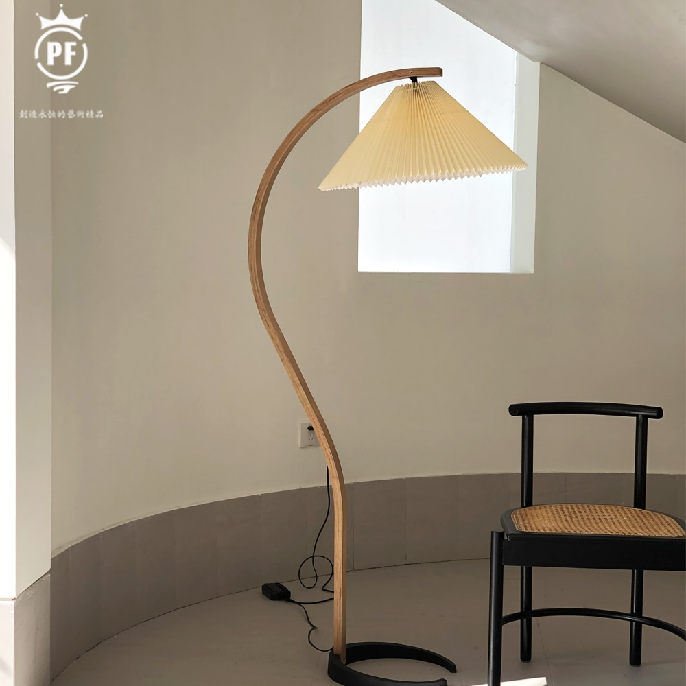 Medieval floor lamp northern European floor lamp living room hall simple floor lamp Exempt postage