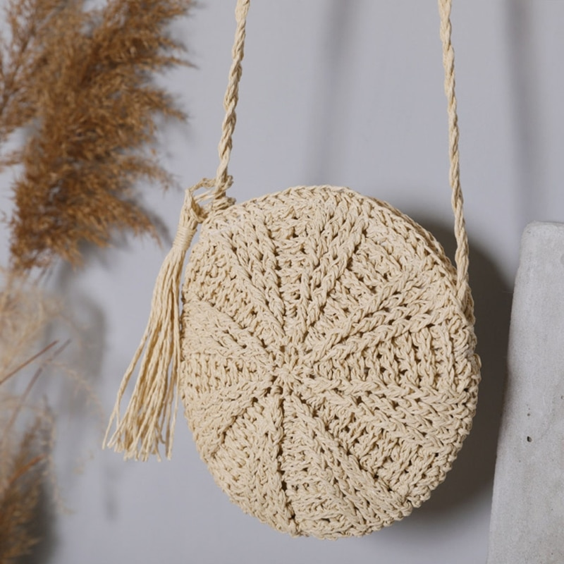 Women's Straw Retro Woven Shoulder Bag with Tassels Vintage Crossbady Beach Bags for Girls Travel Shopping Bags