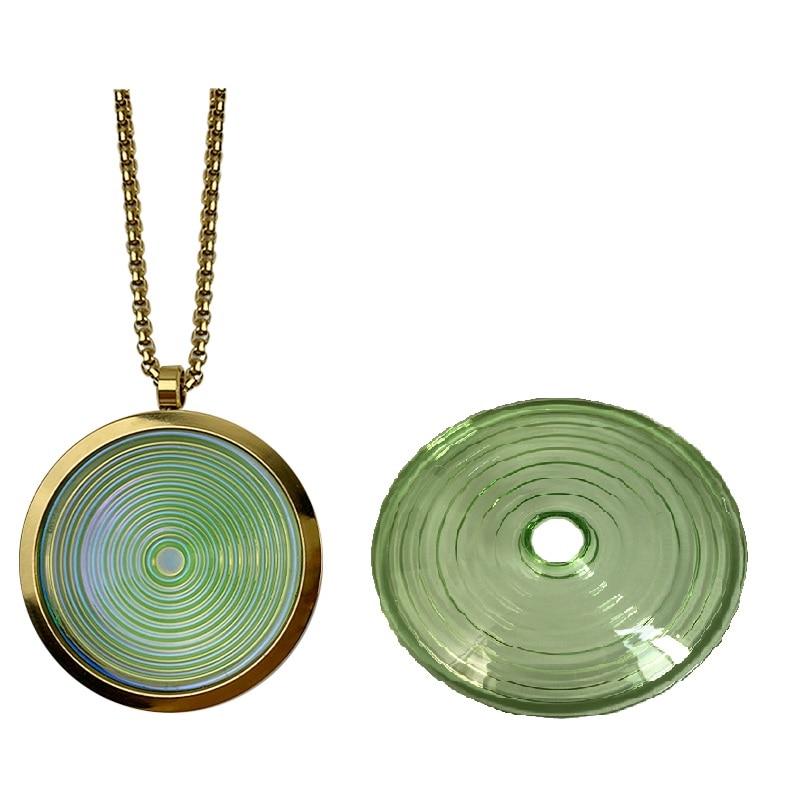 قلادة قلادة من الزجاج ذات دوران ألفا مع قرص حيوي للطاقة