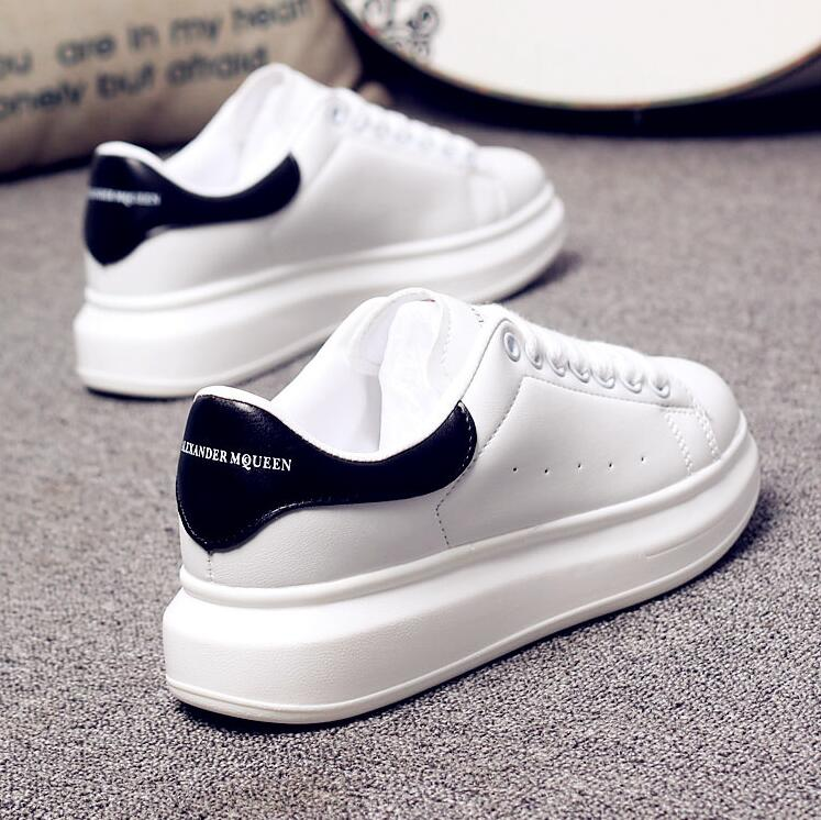 Luxury Design New High Quality Men and Women White Shoes Bottom Platform pqv Mcqueens Sneakers Casual Couple Shoes
