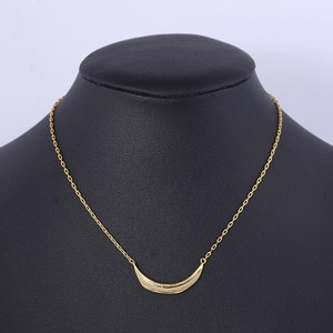 Vintage arc-shaped pendant necklace for lady  Hot Street Fashion Cool Metal Simple Camber Necklace Luxury Brand Jewelry for her