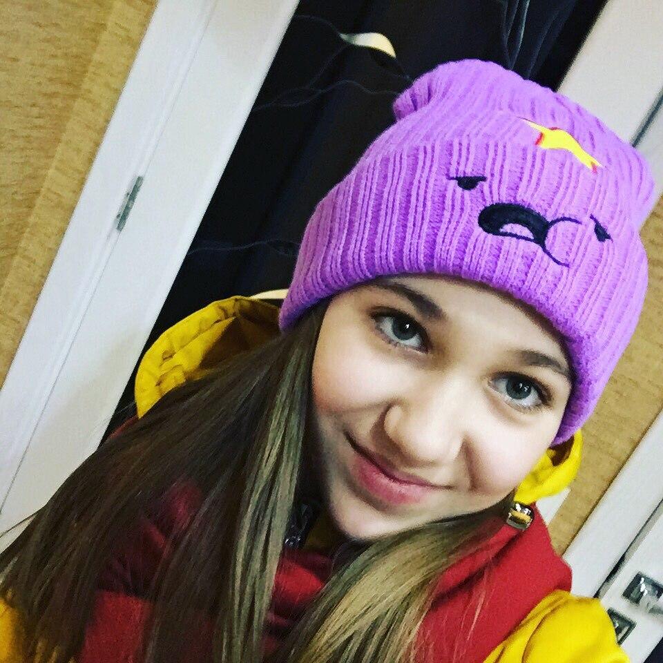 Nuevo invierno sombreros para mujer y hombre Modno Star moda adorable modelo de sombrero Lumpy espacio princesa sombrero mujer Skullies gorros