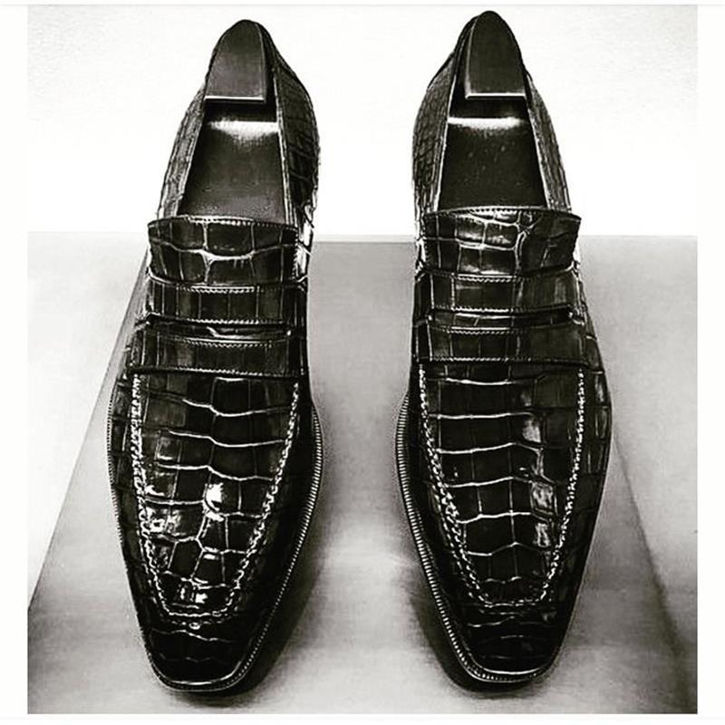 2021 جديد حذاء رجالي اليدوية الأسود التمساح تنقش بولي Classic الكلاسيكية ساحة تو قناع واحد دواسة الأعمال الموضة حذاء بدون كعب KU010
