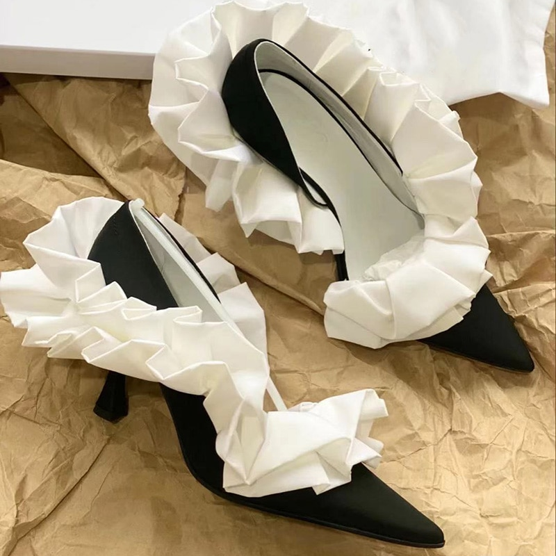 2021 Spring Women's Pumps Side Hollow Out Shallow Mouth Single Shoes Pointed Pleated Thin Heels Office Lady Shoe Summer Sandals