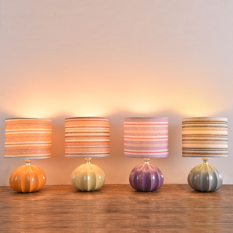 Color Fabric Decoration Small Table Lamp Bedroom Bedside Table Lamp Ceramic Plug-in Night Light Table Lamps for Bedroom