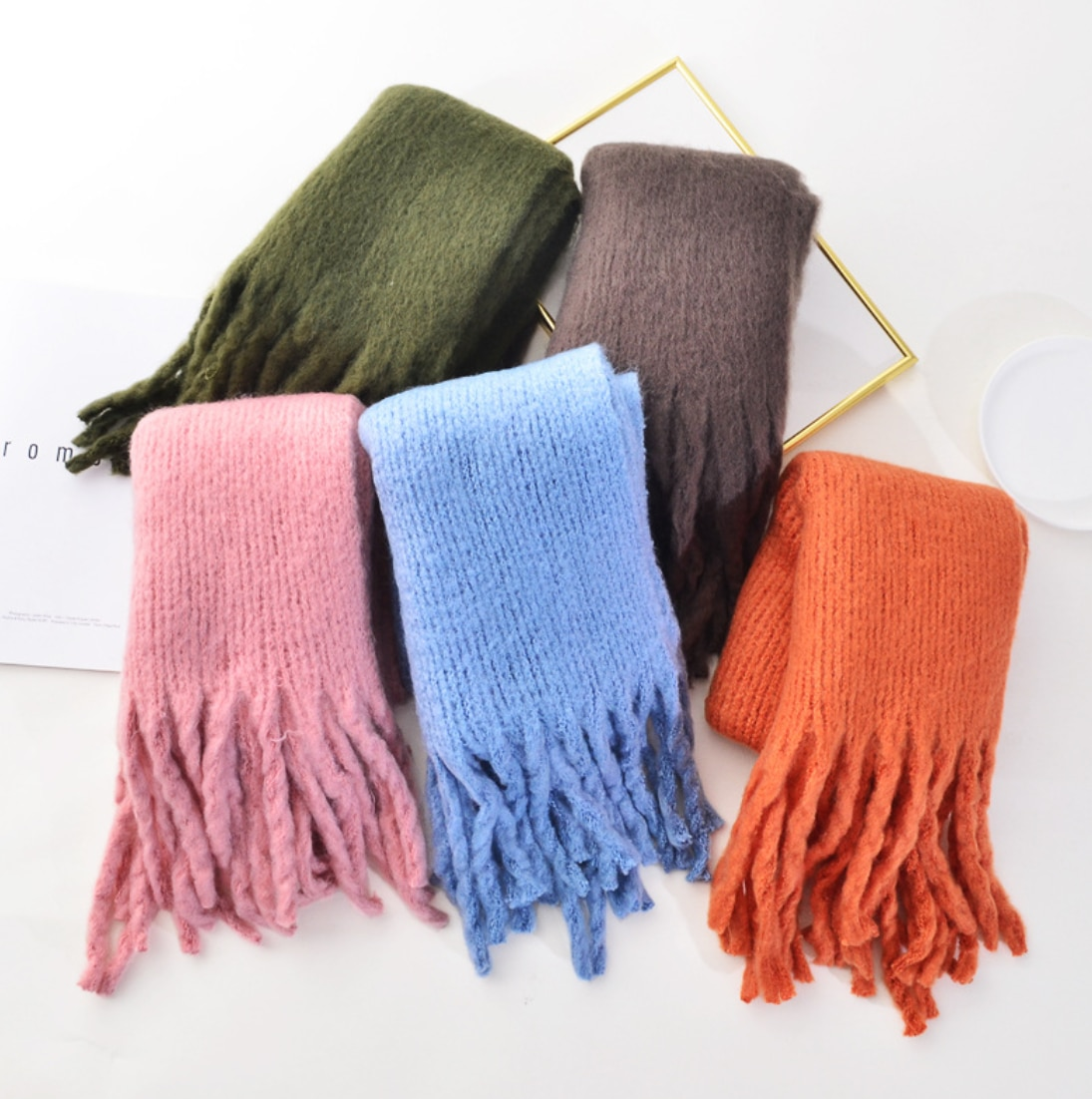 Solid Color Long Fringes Luxury Warm Scarves 2022 Winter Woman Fashion Accessories Outdoor Designer Brand Shawl Hajab