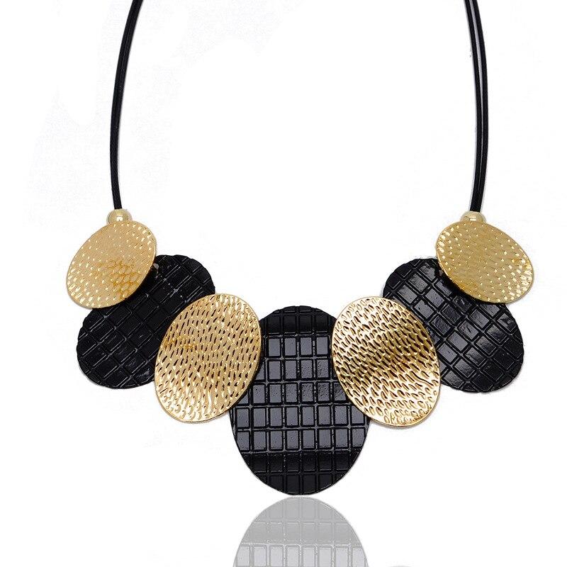 Collar con colgante ovalado geométrico a la moda para mujer Cadena de suéter con cuerda de cuero ajustable joyería de moda