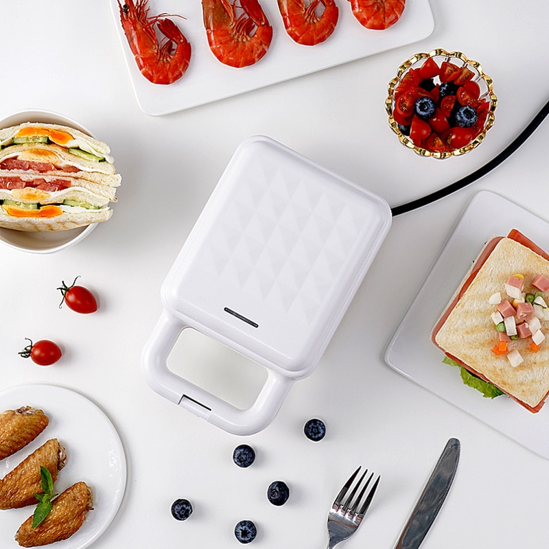Sandwich Maker 220V Breakfast Machine Electric Iron Multi-Baker Mini Sandwich Maker Toaster Kitchen Frying Pan for Meat Egg