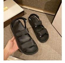 2021 nouvelle marque de luxe sandales décontracté tout-match Velcro dos rabat chaussures plates en cuir Couple chaussures pour hommes et femmes