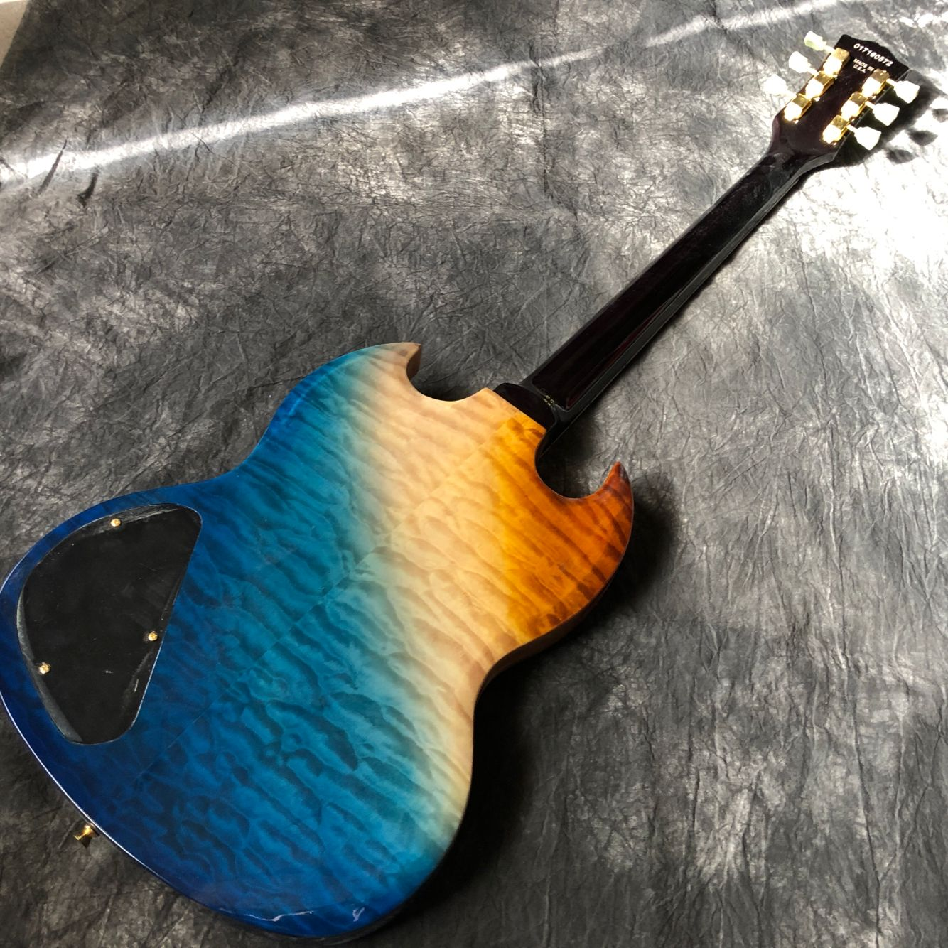 New standard Custom.Flame top electric guitar.Rosewood fingerboard gitaar,Golden hardware.handwork 6 Strings guitarra. enlarge