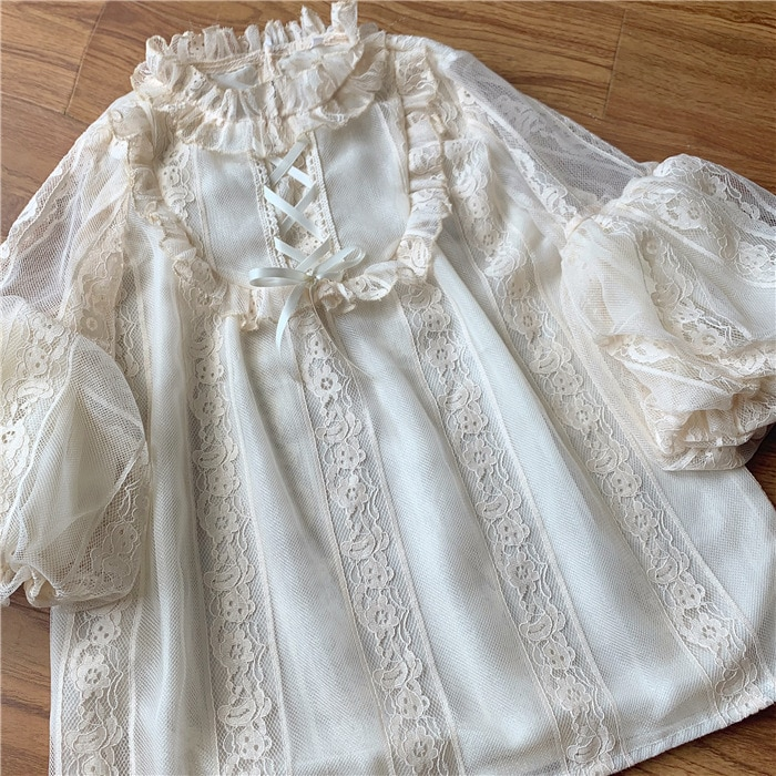 Blusa elegante Lolita s, encaje excelente, cuello redondo, mujeres, niñas, blanco, verano, Media manga acampanada, camiseta interior, blusa Lolita